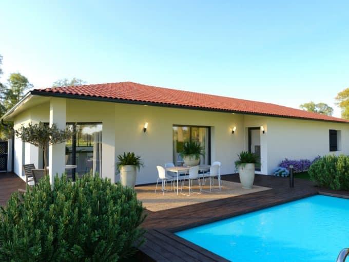 Maison moderne avec terrasse couverte et piscine