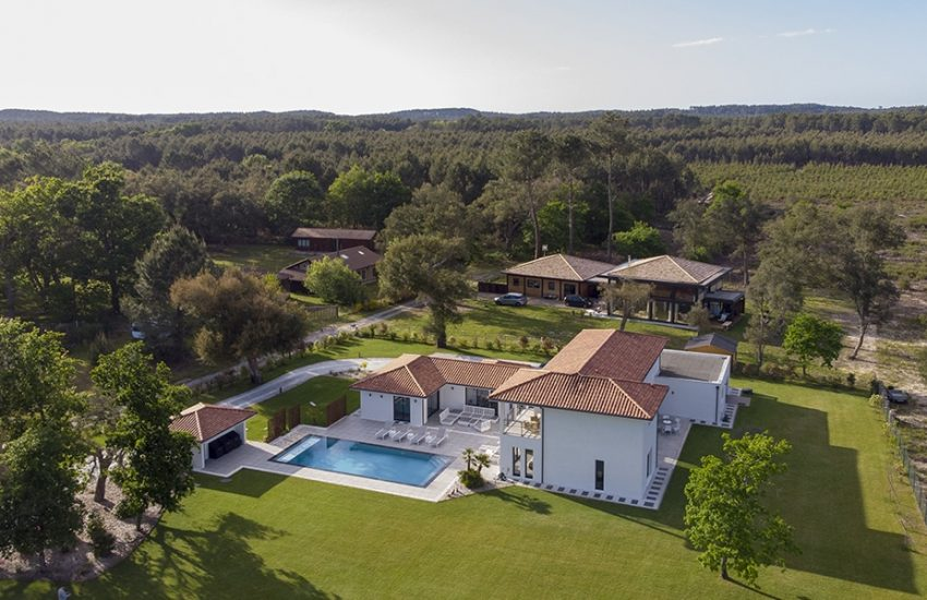 Belle maison contemporaine avec piscine dans les Landes