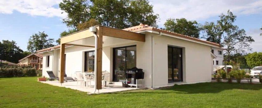 Maison de plain-pied avec au volant en structure bois